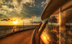 11cruise_ship_deck_sunset-wallpaper